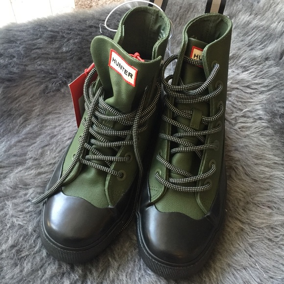 3849a6b6d81 NWT Hunter for Target Olive Unisex Canvas Sneakers